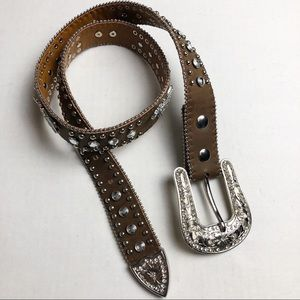 Cowgirl belt with Diamond stud accents